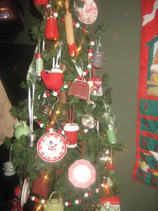 Christmas decorating 006